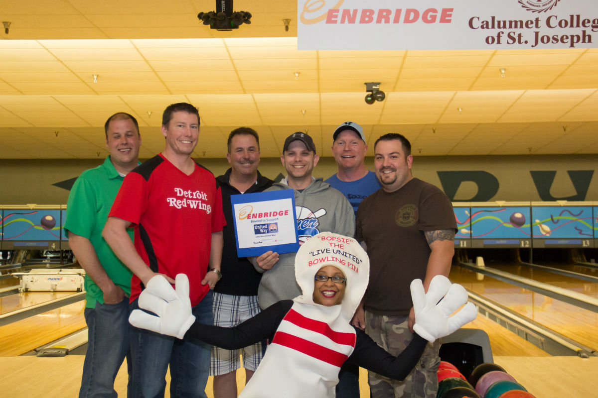 BMO Harris and Lake Area United Way Invite Businesses for a Night of Bowling Fun
