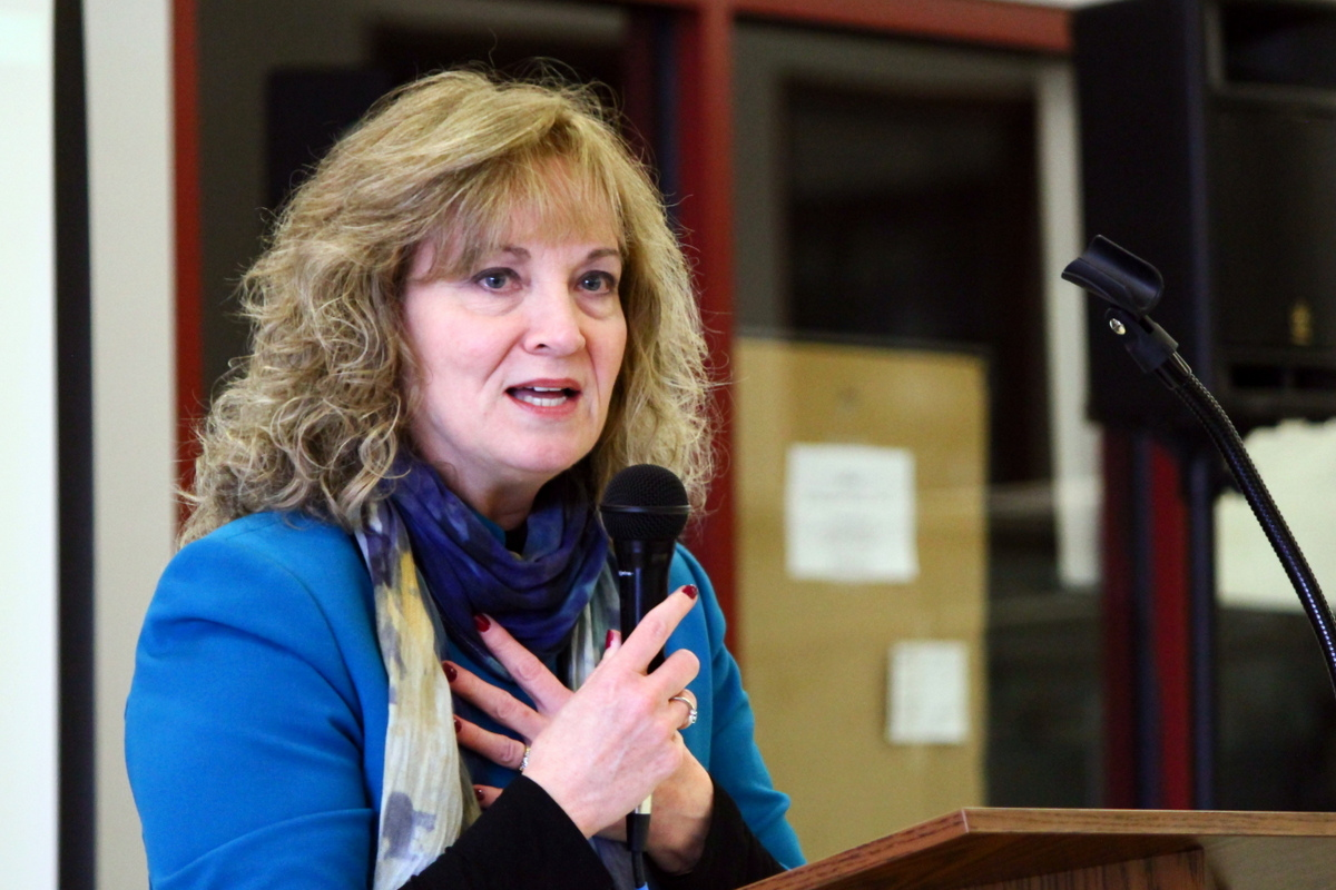 Superintendent for Public Instruction, Glenda Ritz, Visits Calumet College of St. Joseph in Whiting, Indiana for Fourth Annual Brunch to Benefit the Quentin P. Smith Endowment Program