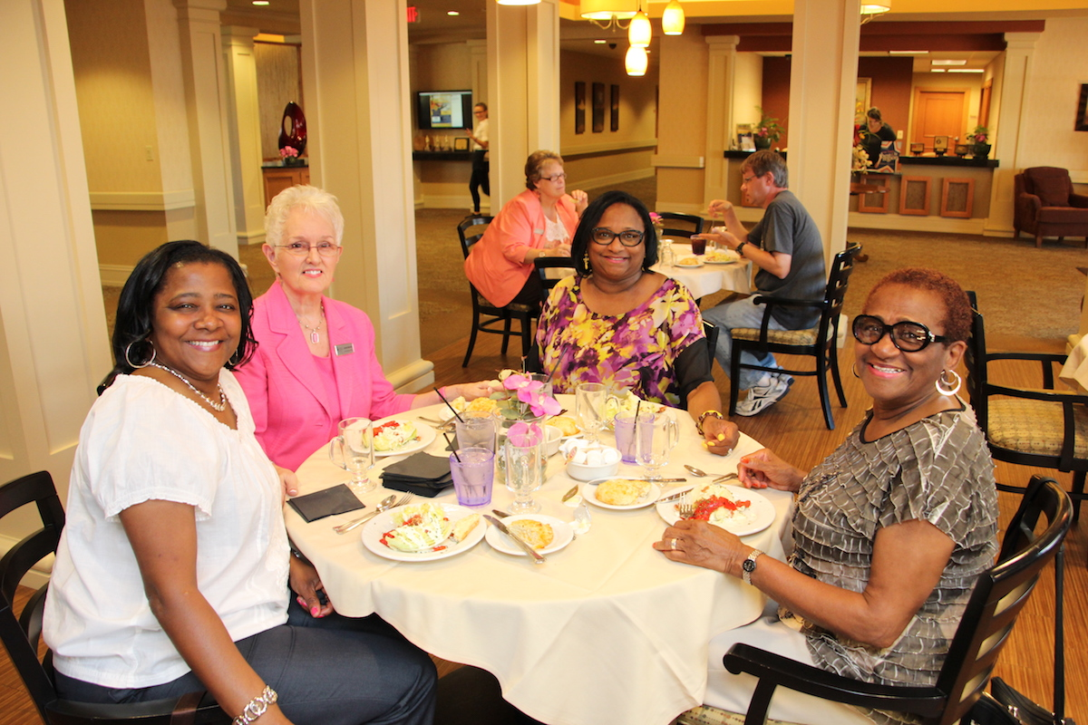 Residences at Deer Creek Hosts Dinner and Dementia With Alzheimer's and Dementia Services of Northern Indiana