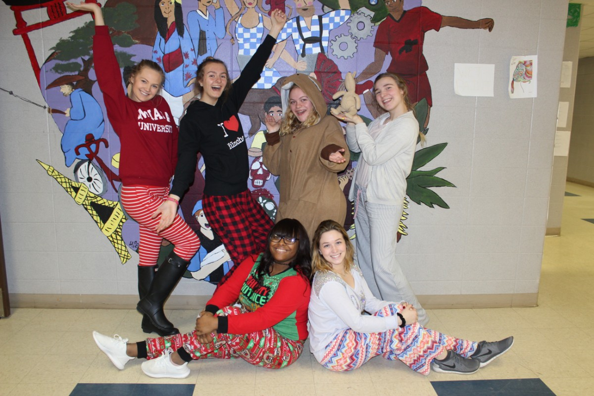 #1StudentNWI: The Wolves Embrace Spirit Week and Leadership Opportunities