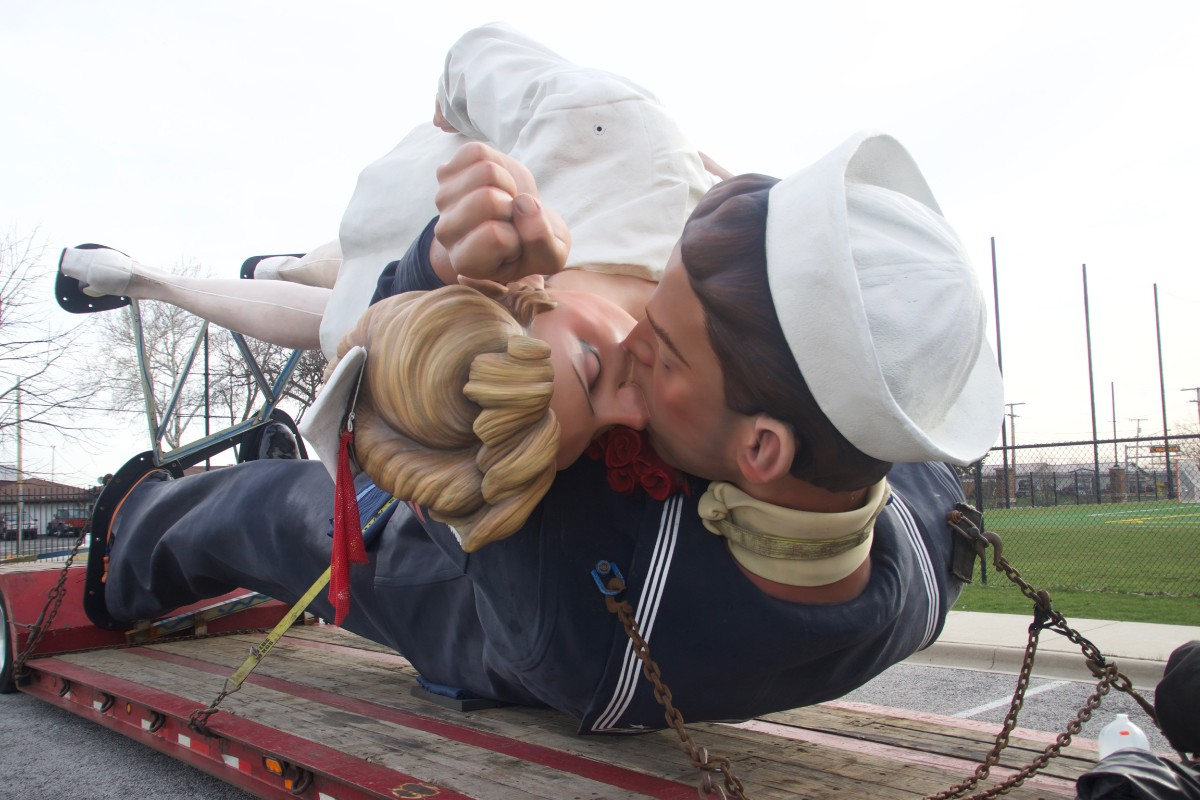 The City of Crown Point Honors Historic Moment with Kissing Statue Installation