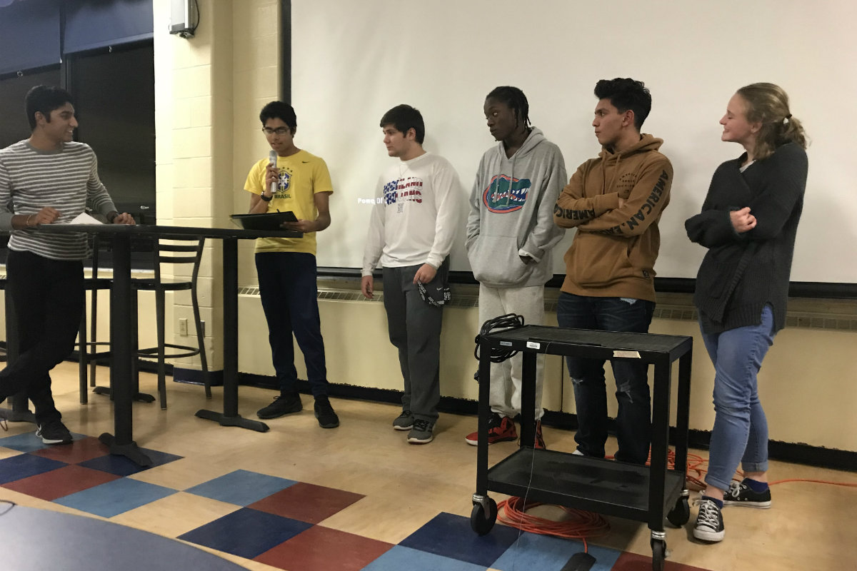 #1StudentNW: Highland High School Fundraises for National Honor Society with Mario Kart Tournament