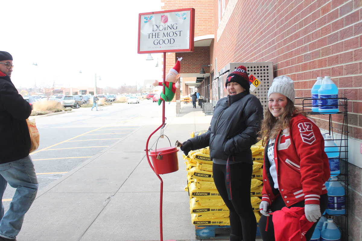#1StudentNWI: Season of Giving at Crown Point High School