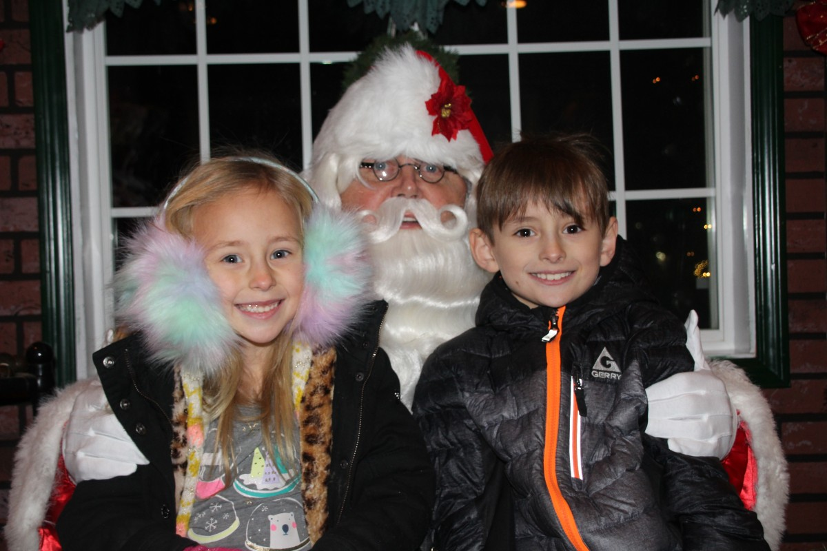 Duneland Chamber Ushers in Season of Giving with Hometown Holiday Celebration