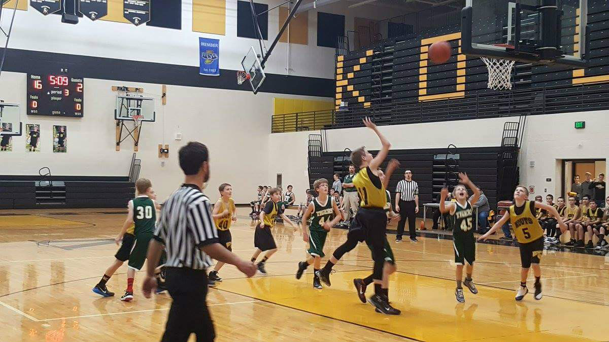 #1StudentNWI: Homecoming and Hoops at Kouts High School