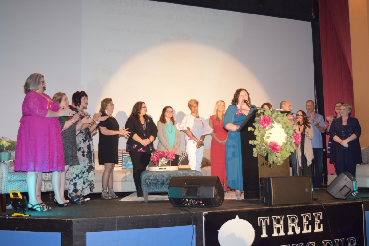 """""""Listen to Your Mother"""" Brings the Region Together to Honor and Celebrate Mothers"""