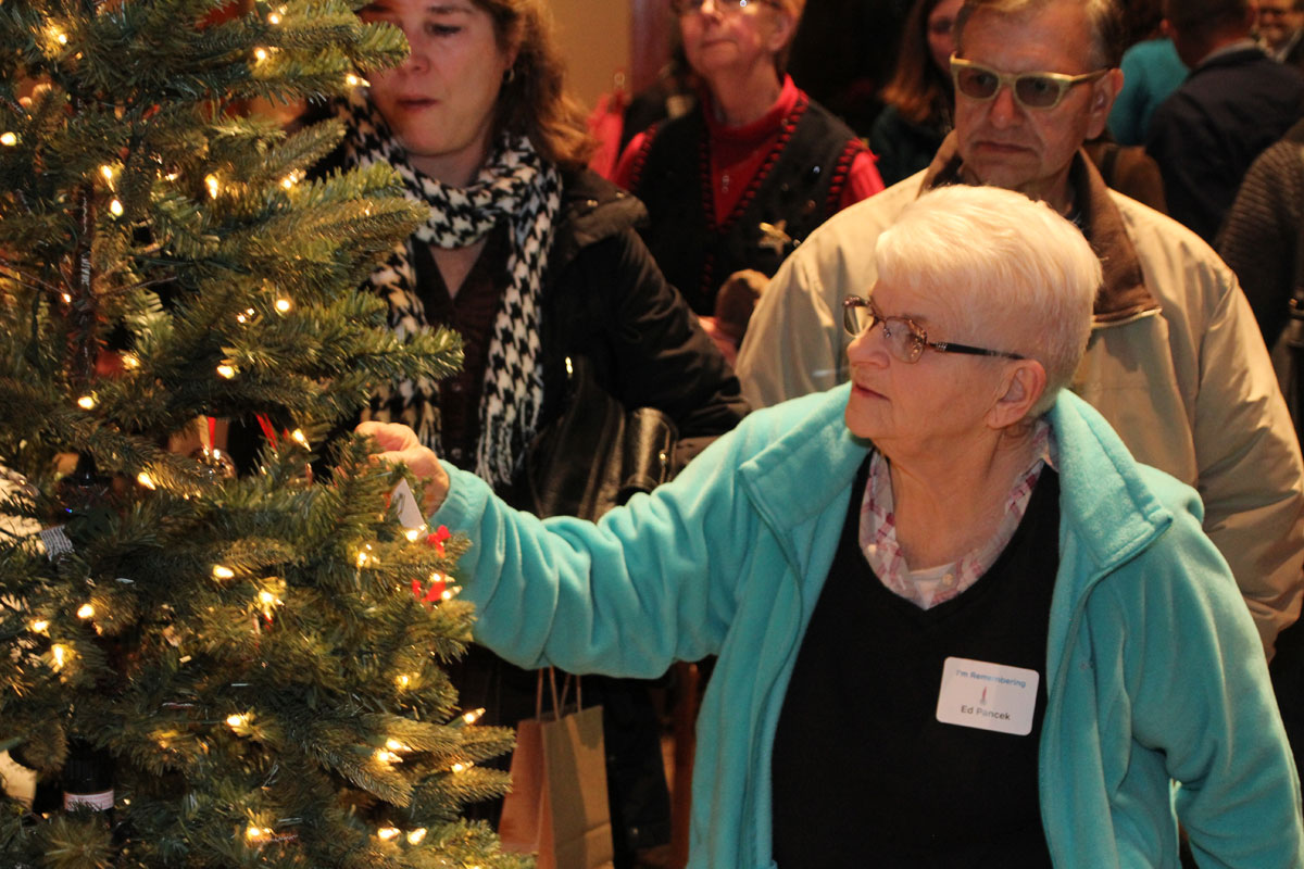 Remember Loved Ones at the VNA Tree of Remembrance Ceremony
