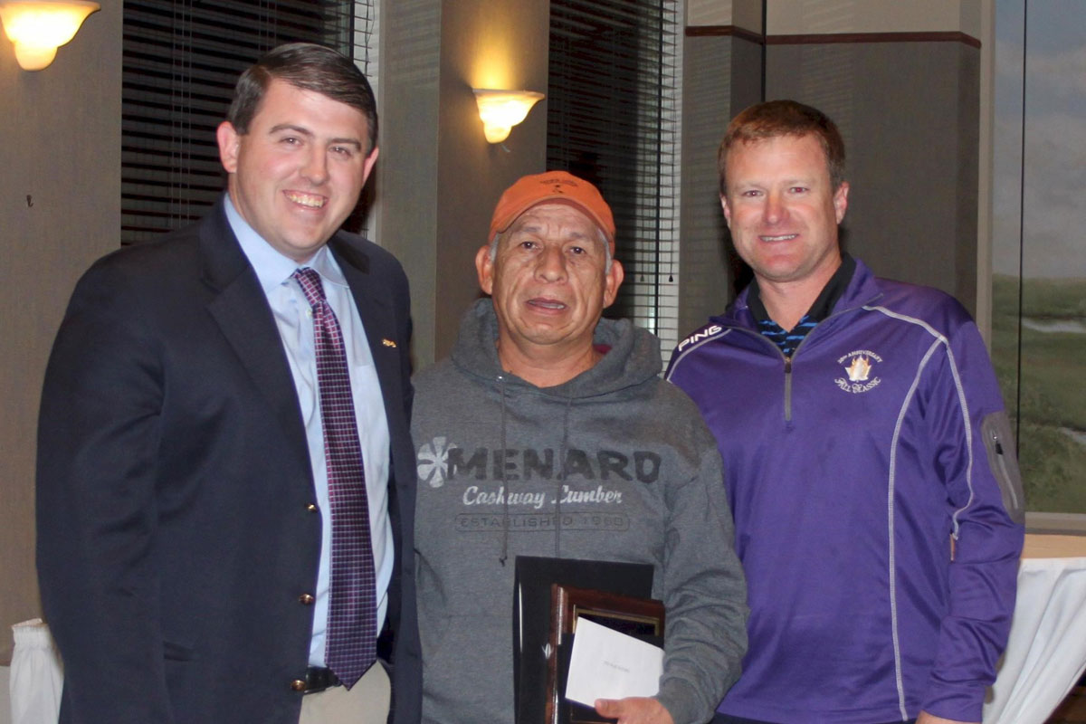 Sand Creek Country Club Awards Alice Wesson Employee of the Year to Roberto Cervantes