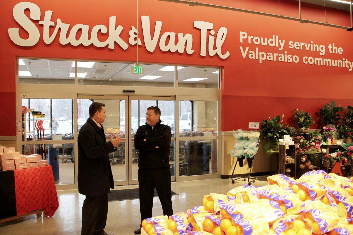 Strack & Van Til Celebrates Grand Re-Opening of South Valparaiso Store