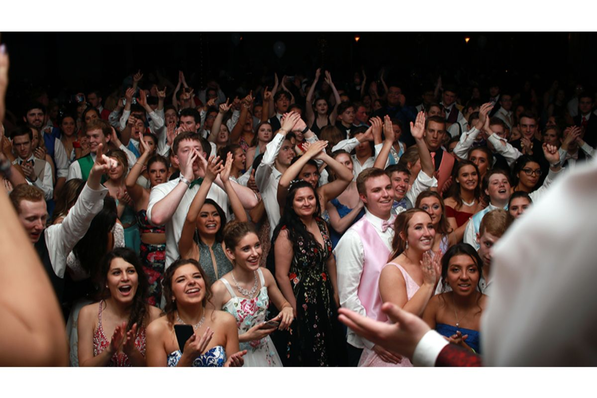 #1StudentNWI: Lake Central Students Dance the Night Away at Prom